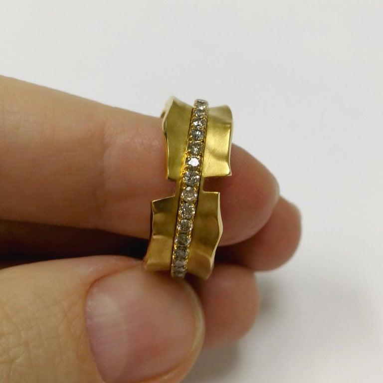 Women's Champagne Diamonds 18 Karat Yellow Gold Pret-a-Porter Ring For Sale