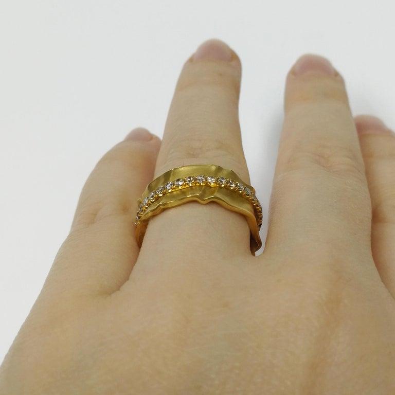 Champagne Diamonds 18 Karat Yellow Gold Pret-a-Porter Ring For Sale 3