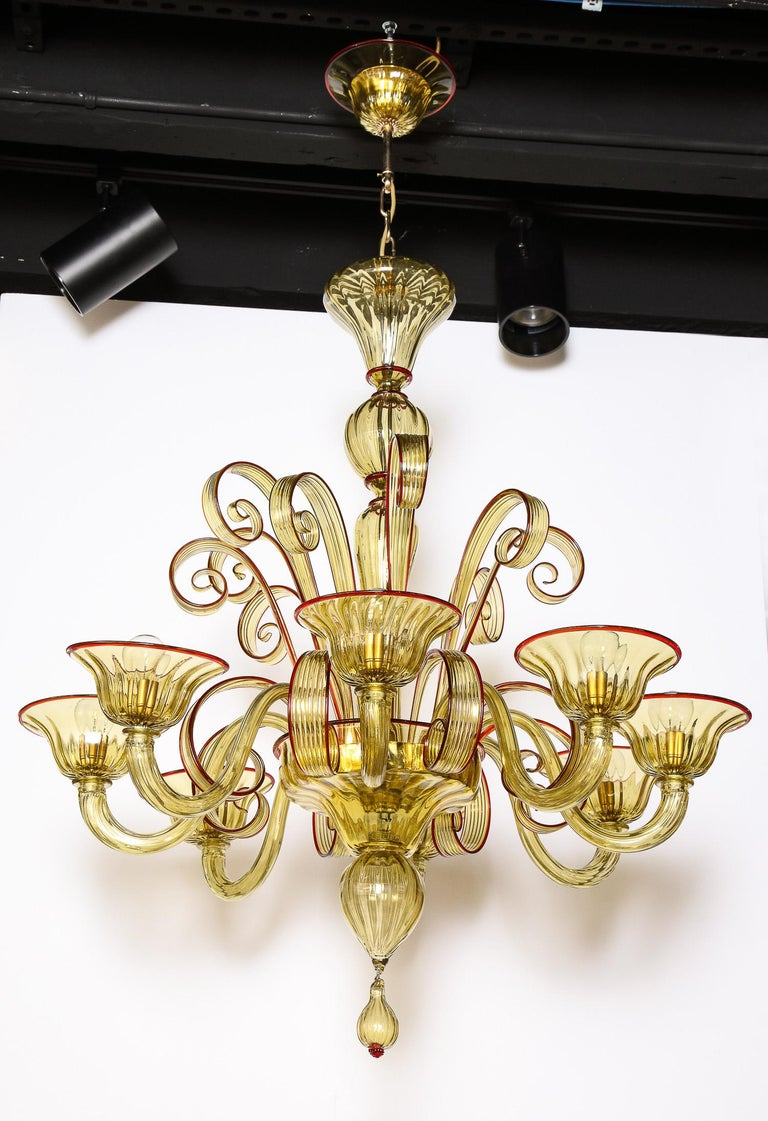 Venetian Gold Glass Chandelier with Red Details, Italy, 8 Arms For Sale 5