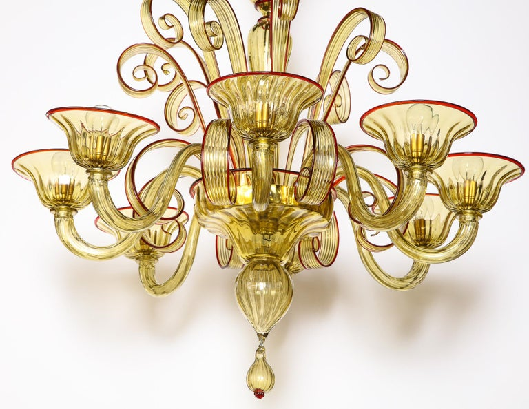 Venetian Gold Glass Chandelier with Red Details, Italy, 8 Arms For Sale 6