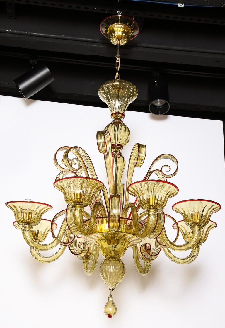 Venetian Gold Glass Chandelier with Red Details, Italy, 8 Arms For Sale 9