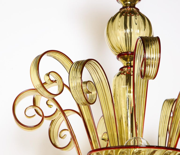 Venetian Gold Glass Chandelier with Red Details, Italy, 8 Arms For Sale 10
