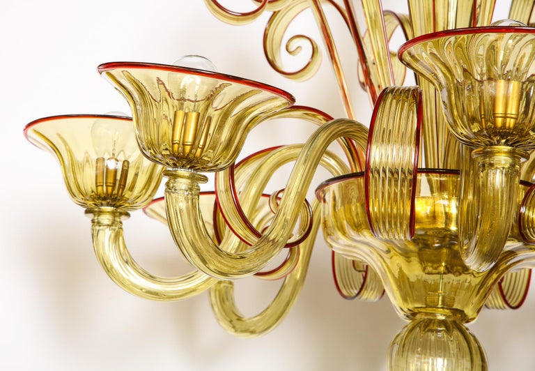 Venetian Gold Glass Chandelier with Red Details, Italy, 8 Arms For Sale 12
