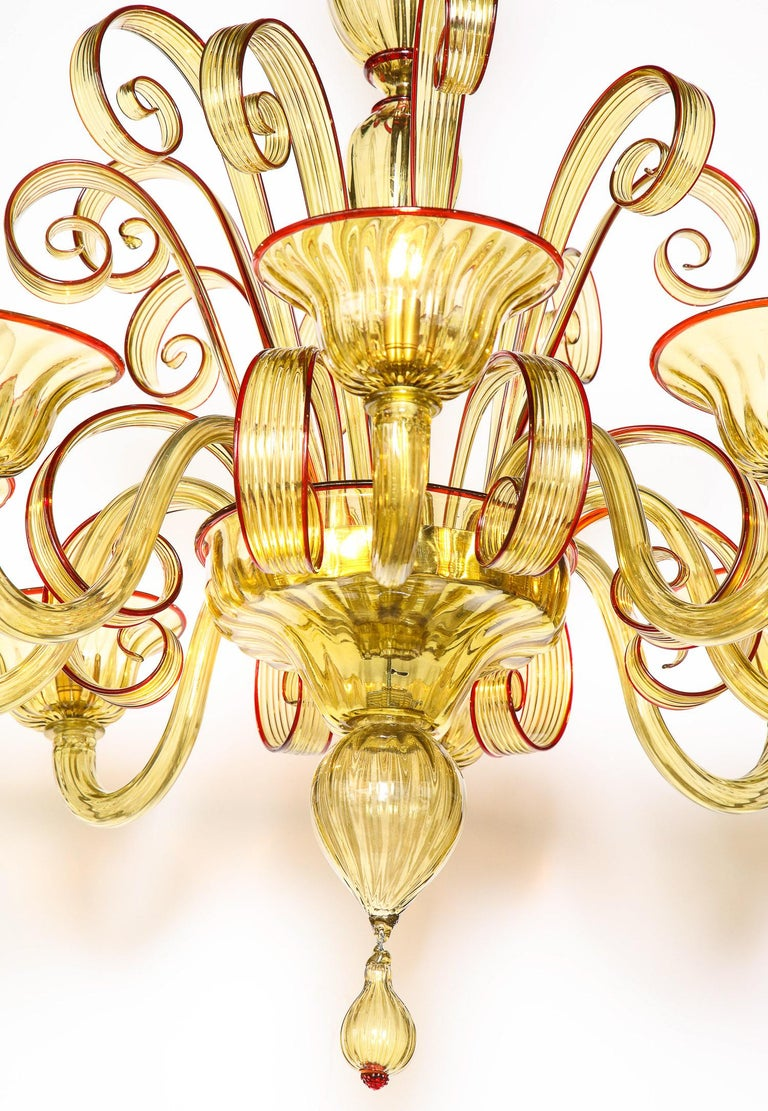 Venetian Gold Glass Chandelier with Red Details, Italy, 8 Arms For Sale 1