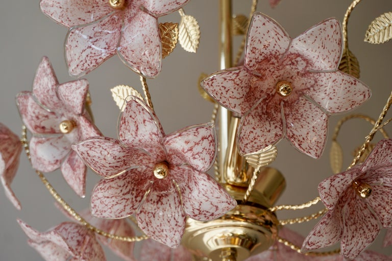 Chandelier in Brass with Pink Murano Glass Flowers For Sale 2