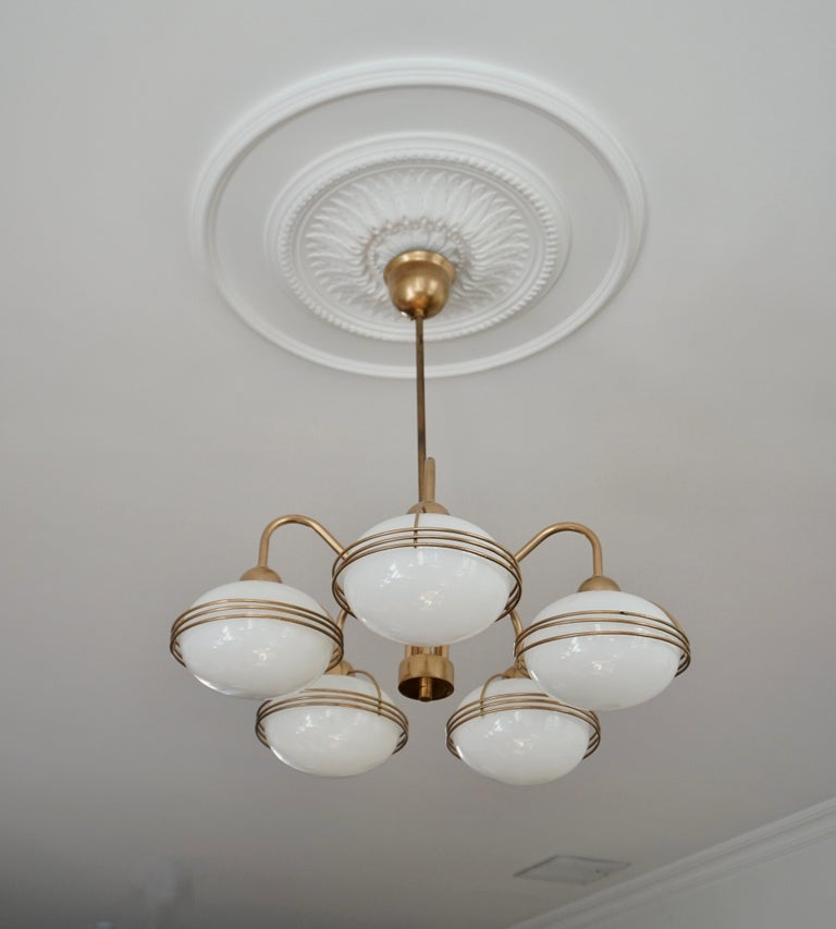 Mid-Century Modern Chandelier in Glass and Brass For Sale