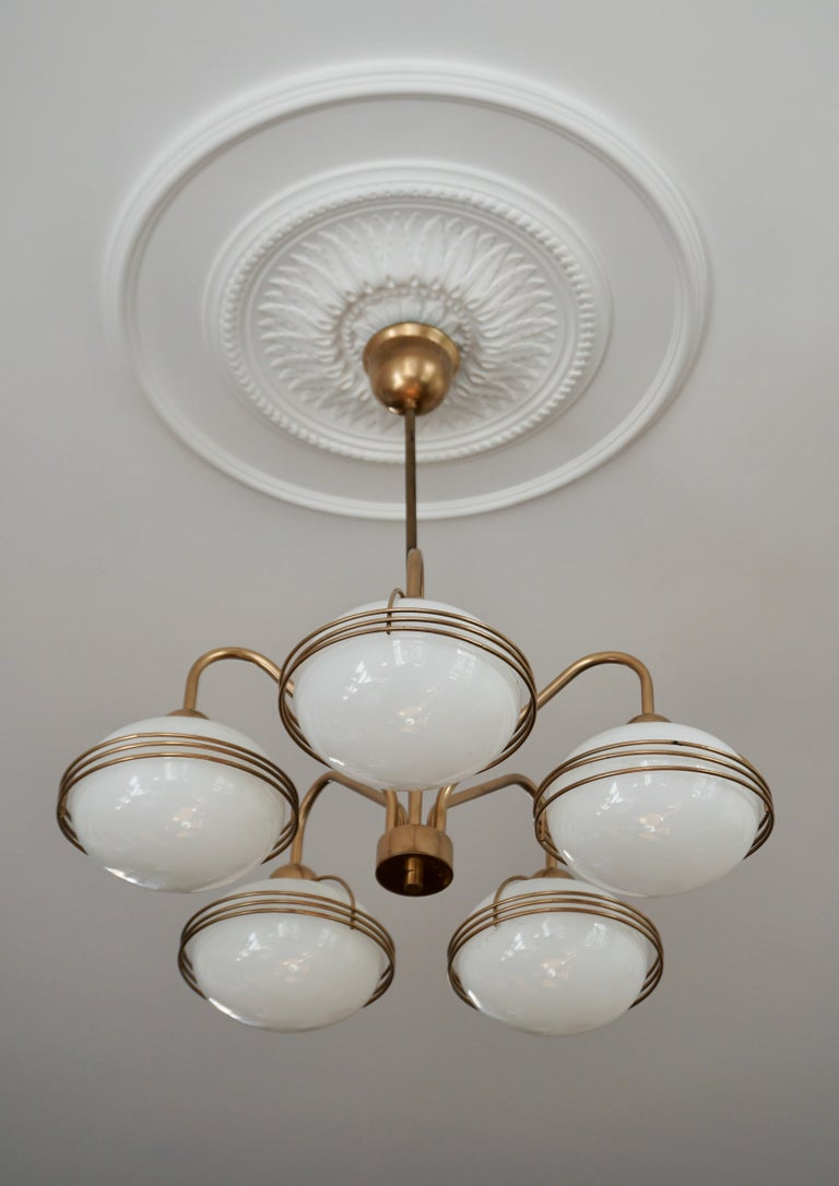 Chandelier in Glass and Brass In Good Condition For Sale In Antwerp, BE