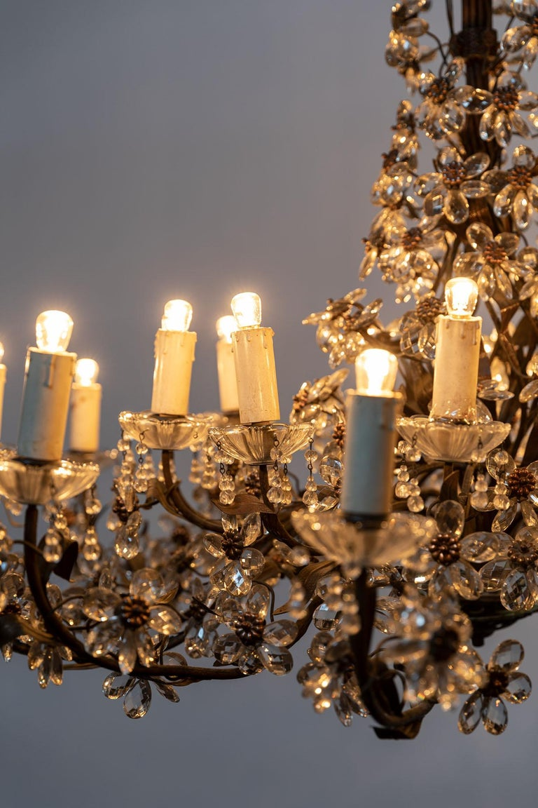 Italian Chandelier with Crystal Pendants For Sale