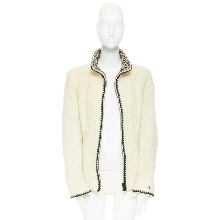 White CHANEL 00A ivory waffle tweed black trim print collar zip-up jacket FR42