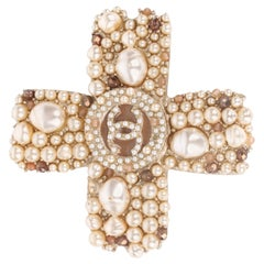 Chanel 05A Gold Cross Pearl Inlay Brooch XXL