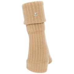 CHANEL 100% cashmere beige open toe ribbed knit foldover CC gloves mittens