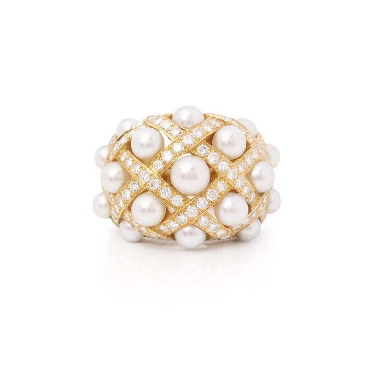Round Cut Chanel 18 Karat Yellow Gold Cultured Pearl Baroque Matelassé Ring For Sale