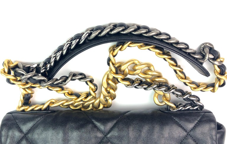 Women's or Men's Chanel 19 Flap Bag 20s Black Goatskin  For Sale