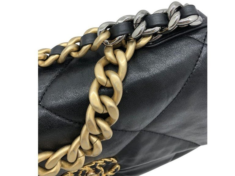 Chanel 19 Flap Bag - Small - Black/Gold - SOLD OUT In Excellent Condition For Sale In London, GB