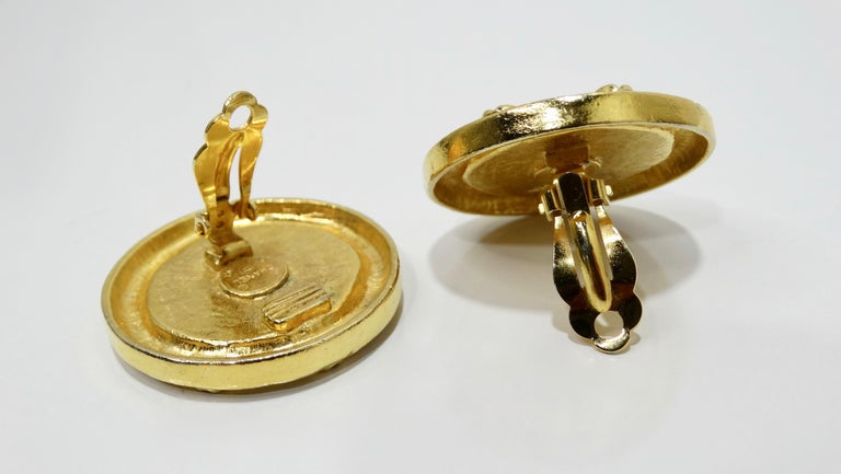 Chanel 1980s CC Medallion Clip-On Earrings In Good Condition For Sale In Scottsdale, AZ