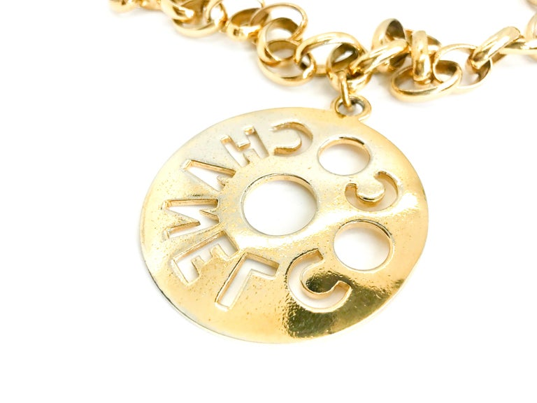 Chanel 1980s Vintage Gold Plated Pendant Necklace / Belt For Sale 1