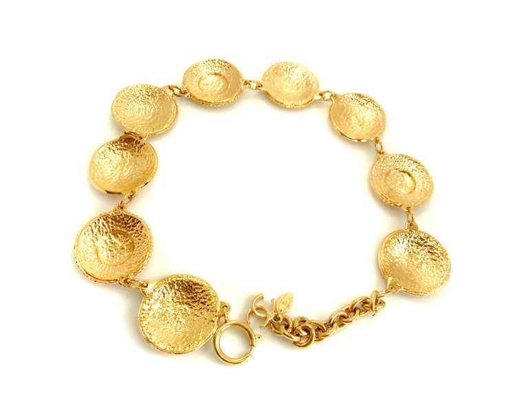 Chanel 1980s Vintage Medallion Necklace For Sale 6