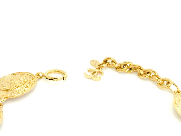 Women's or Men's Chanel 1980s Vintage Medallion Necklace For Sale