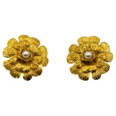 Chanel 1990s Collection 29 Floral Gilt Metal Clip-on Earrings