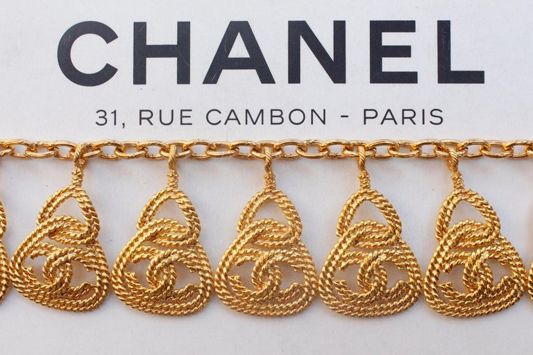 CHANEL 1990s Gilted metal necklace with openworked CC pendants For Sale 1