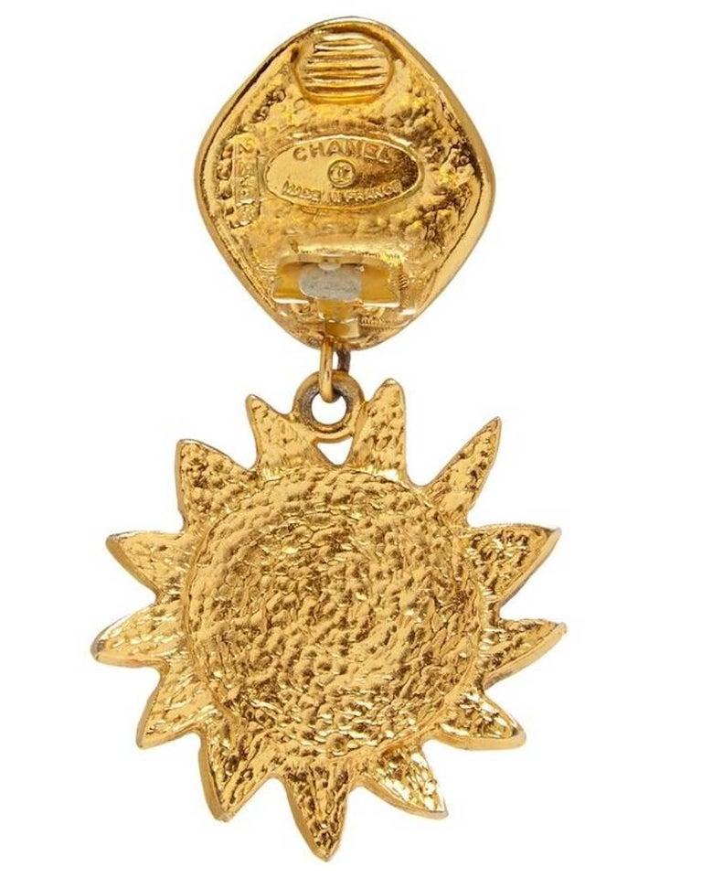 Women's Chanel 1990s Gold Tone Sun Drop Earrings