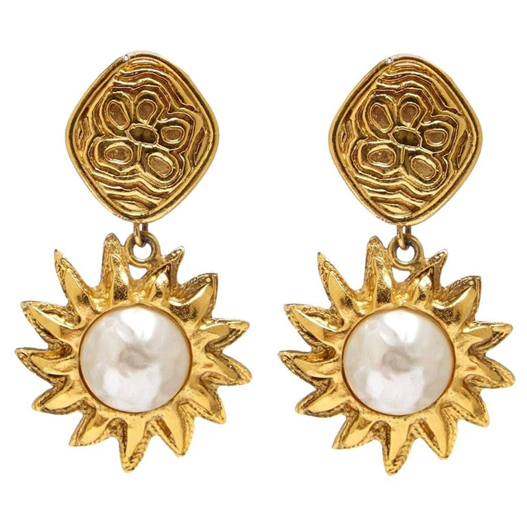Chanel 1990s Gold Tone Sun Drop Earrings For Sale