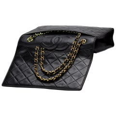 Chanel 1994 Vintage Classic Flap Bag Hidden Pocket Quilted Black Lambskin Bag