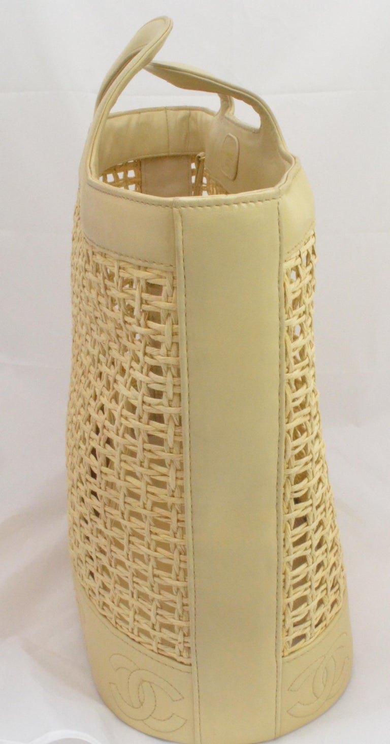 Women's or Men's Chanel 1996-97 Vintage Beige Leather Woven Tote Bag