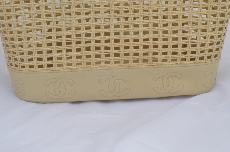 Chanel 1996-97 Vintage Beige Leather Woven Tote Bag 4