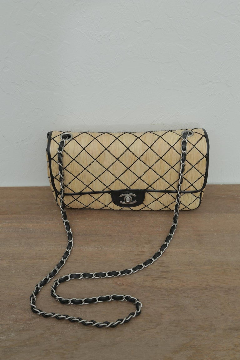 Chanel 1997 Classic Flap Single with Black Leather Beige Raffia Shoulder Bag In Excellent Condition For Sale In West palm beach, FL