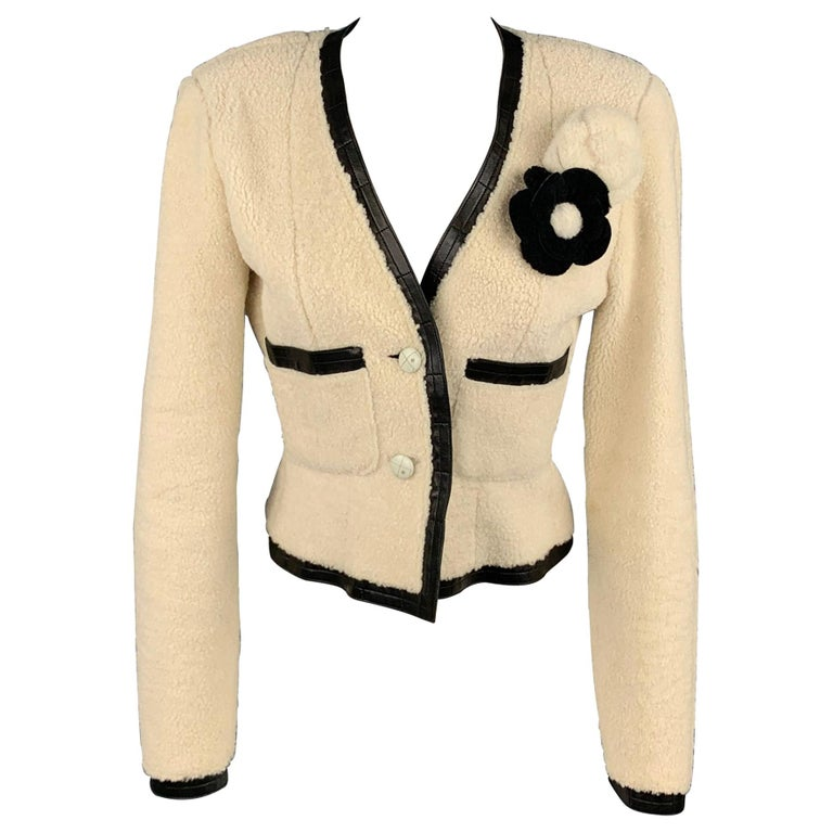 CHANEL 2003 Size 6 Cream & Black Shearling Leather Lamb Skin Jacket For Sale