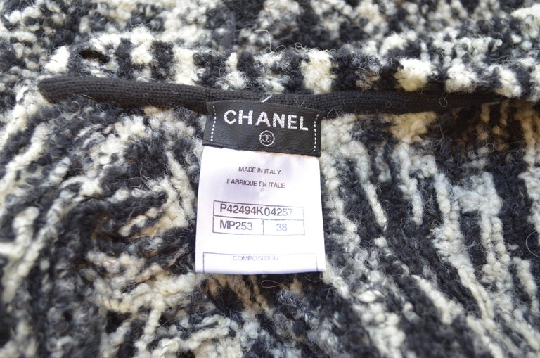 Chanel 2011 Fall/Winter Collection Black & White Boucle Knit Maxi Gown For Sale 3