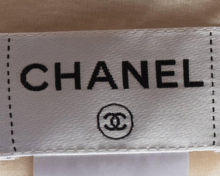 Chanel  2012 Runway Cream Sequins Embellish Silk Dress In Good Condition For Sale In Scottsdale, AZ