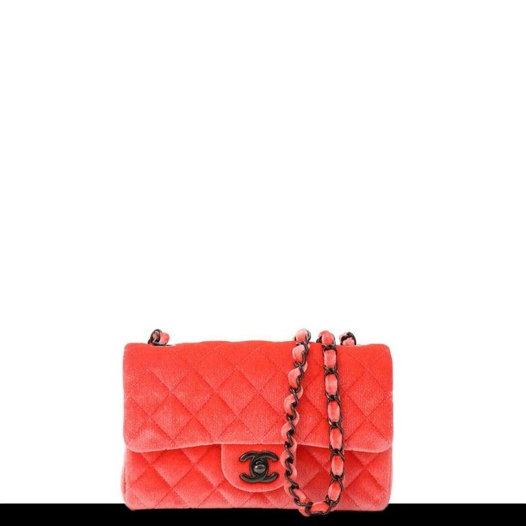 Chanel 2014 Coral Velvet Small Medium So Black CC Classic Flap For Sale 2