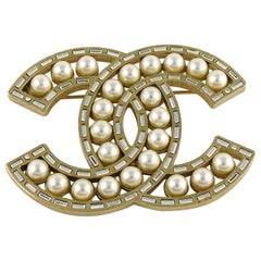 Chanel 2016 Gold Toned Baguette Crystal Pearl Classic CC Logo Brooch