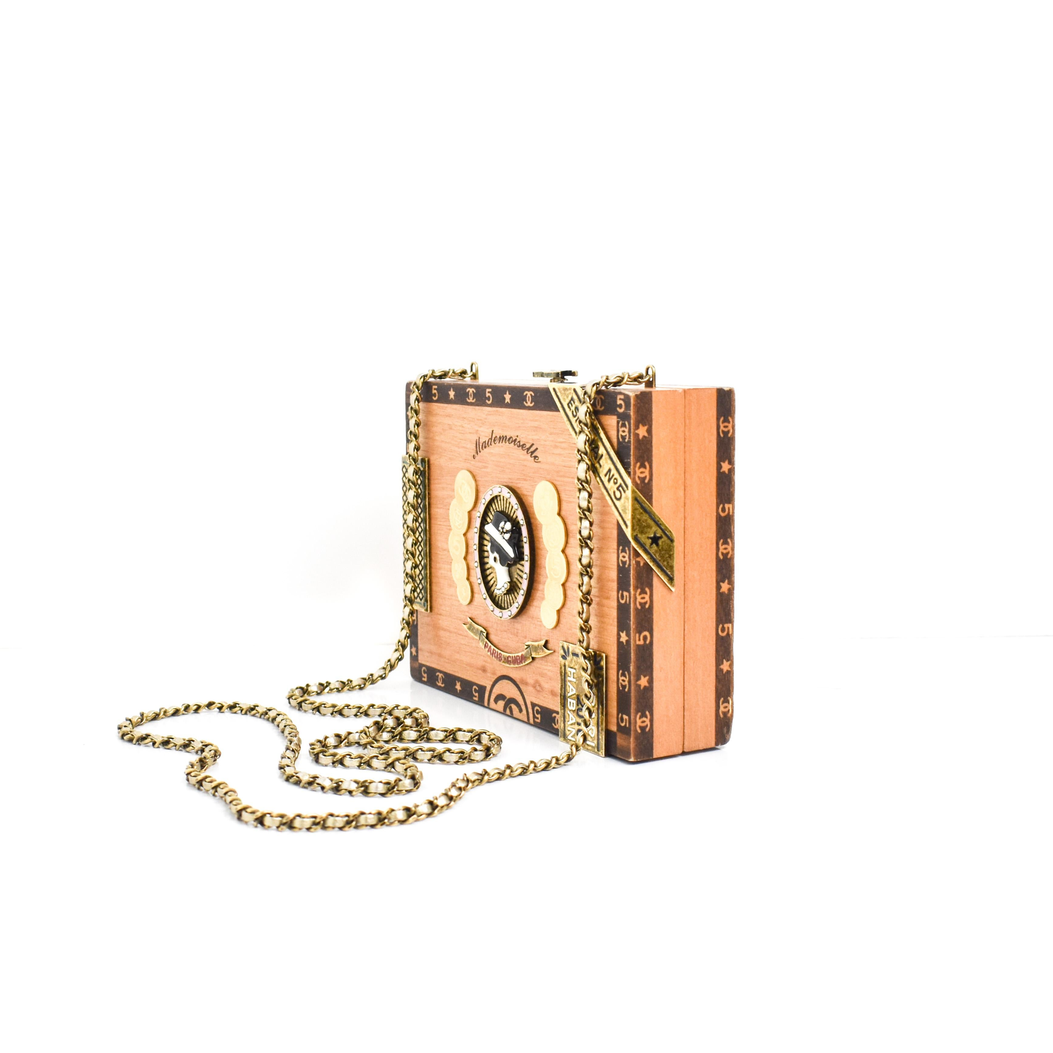 526e8a359b95a2 CHANEL 2017 HAVANA by NIGHT CIGAR BOX BAG. For Sale at 1stdibs