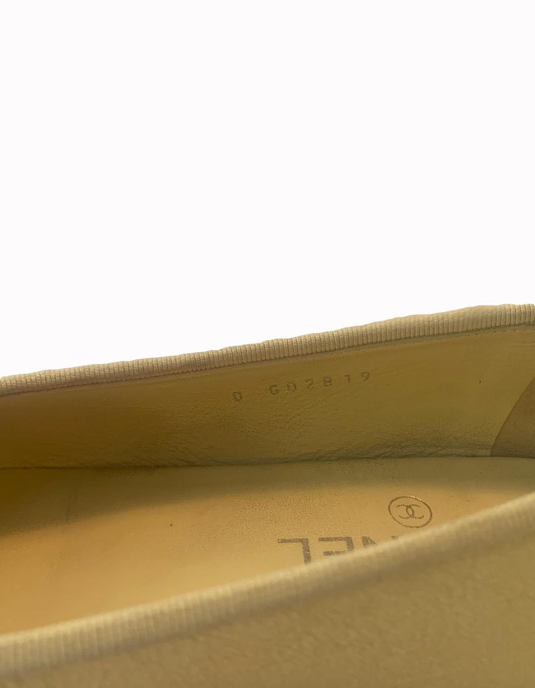 Chanel 2019 Iridescent Yellow Caviar Leather CC Ballet Flats sz 39 For Sale 3