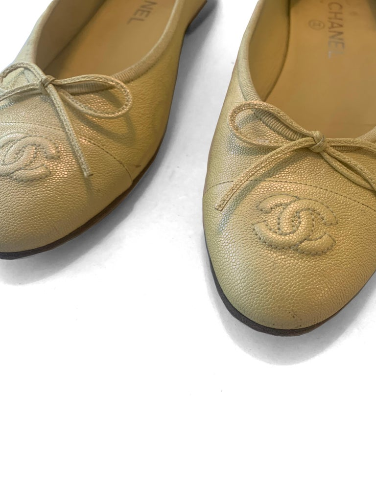Chanel 2019 Iridescent Yellow Caviar Leather CC Ballet Flats sz 39 For Sale 4