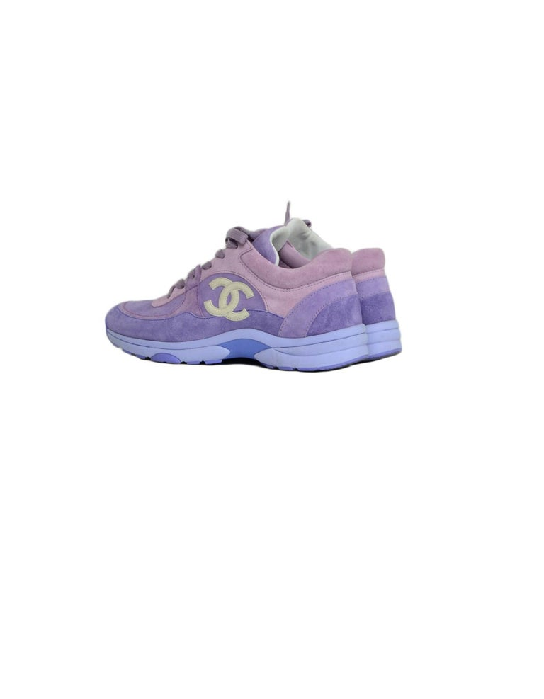 Chanel 2019 Purple Suede Calfskin Leather CC Trainers Sneakers sz 39 In Excellent Condition For Sale In New York, NY