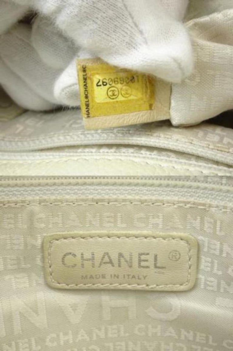 0337c37c835ae2 Chanel 2.55 Reissue Cerf Ivory Cc Caviar Executive 216076 White Leather  Tote For Sale 5
