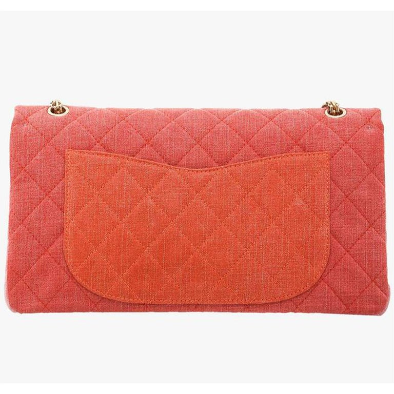 Chanel 2.55 Reissue Double Flap Maxi Classic Limited Edition Red Pink Linen Bag In Good Condition For Sale In Miami, FL