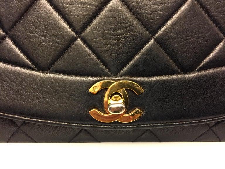 Chanel 25cm Diana Shoulder Bag  For Sale 3