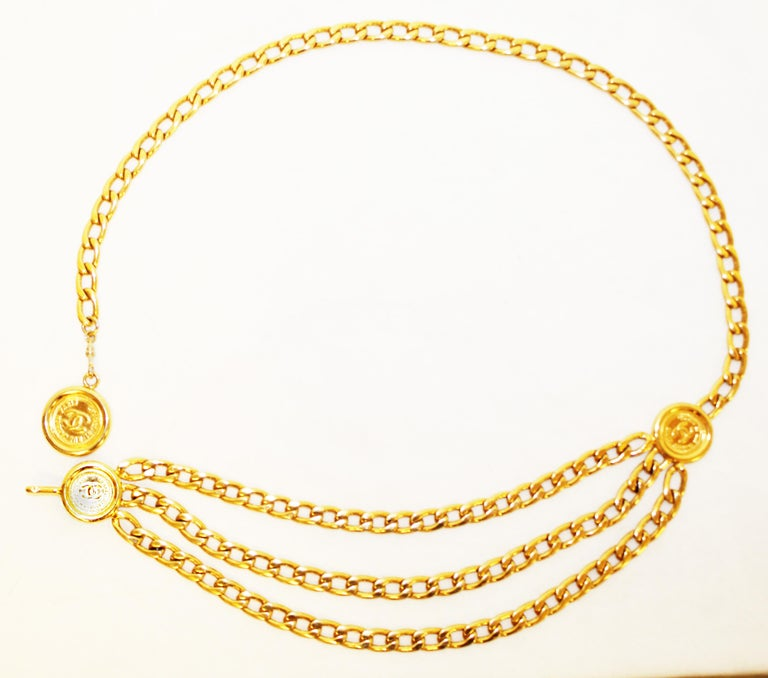 Chanel 31 Rue Cambon Three Coins Chain Link Belt From The 1980's  3