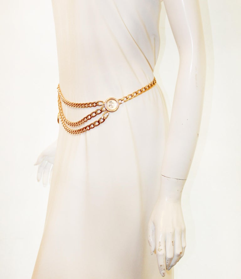 Chanel 31 Rue Cambon Three Coins Chain Link Belt From The 1980's  7