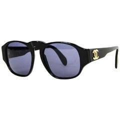 Chanel '90s Vintage Black Sunglasses w. CC