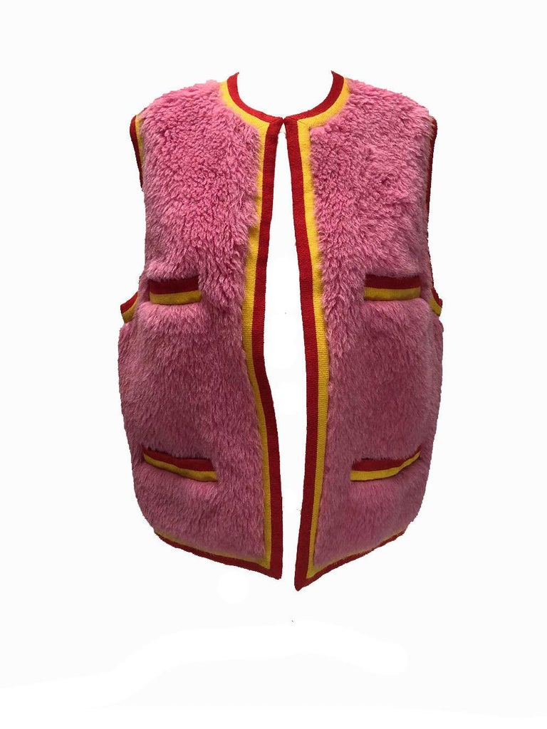 Chanel 90s Vintage Pink Alpaca Vest In Excellent Condition For Sale In Los Angeles, CA