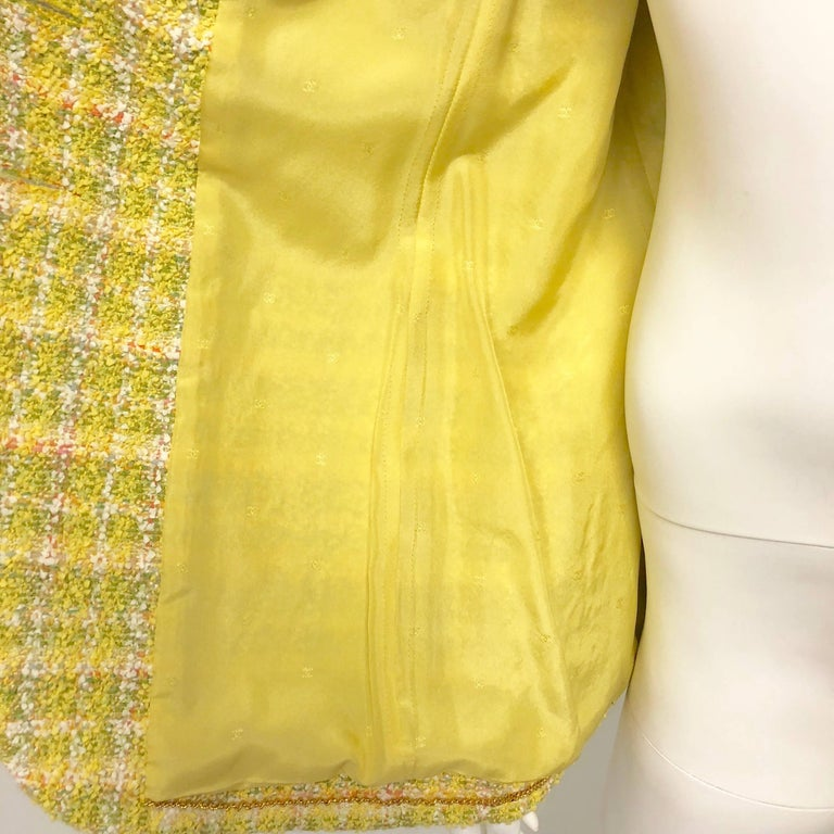 Chanel 94P Vintage Jacket Yellow Fantasy Tweed Gold CC Buttons  For Sale 1