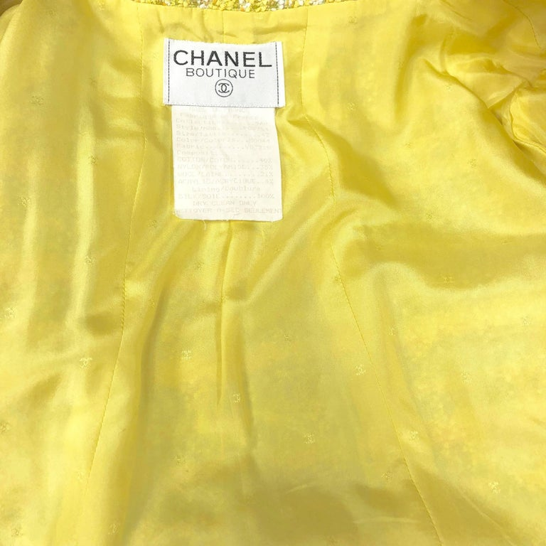Chanel 94P Vintage Jacket Yellow Fantasy Tweed Gold CC Buttons  For Sale 4