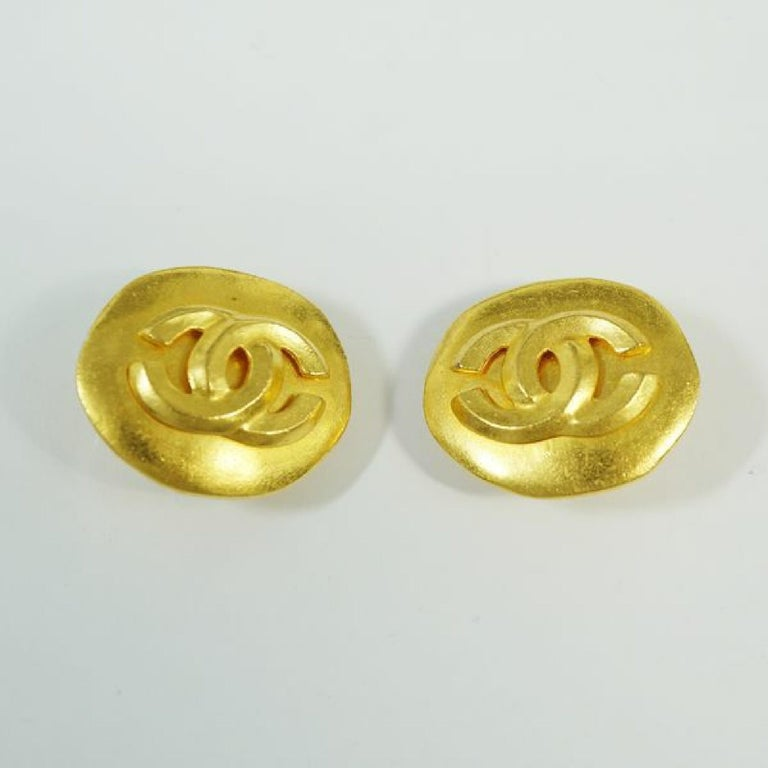 CHANEL 96P round-shaped coco mark GP Womens earrings gold In Good Condition For Sale In Takamatsu-shi, JP
