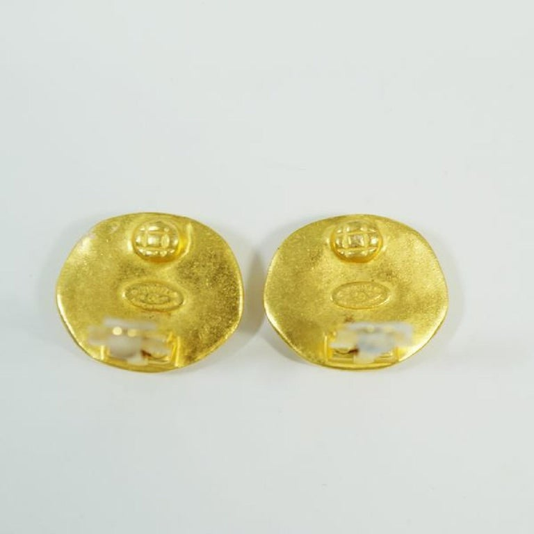 Women's CHANEL 96P round-shaped coco mark GP Womens earrings gold For Sale